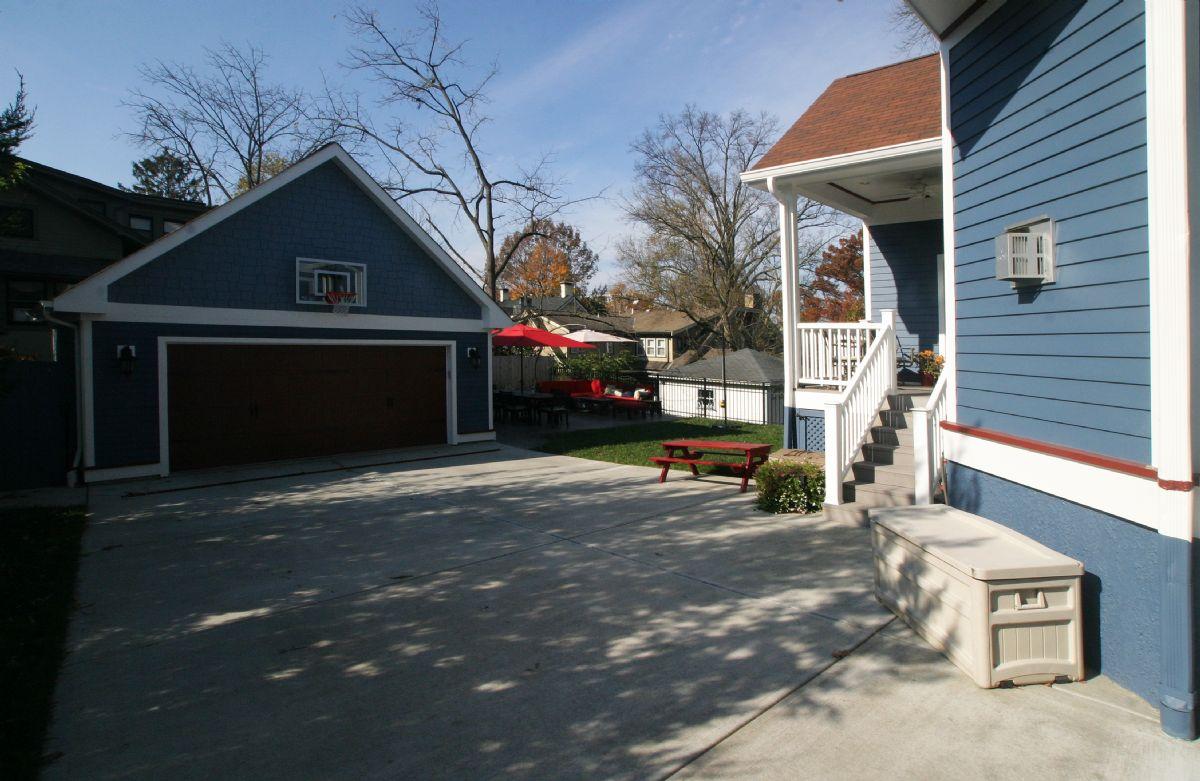 [127]CompletedGarageRebuild,DrivewayReplacement,DeckRemoval-HousePainting(7).jpg